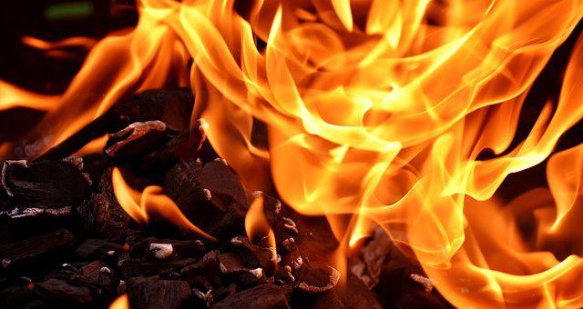 kominki dekoracyjne - płomień