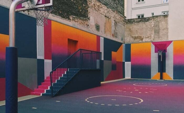 Mural we wnętrzu